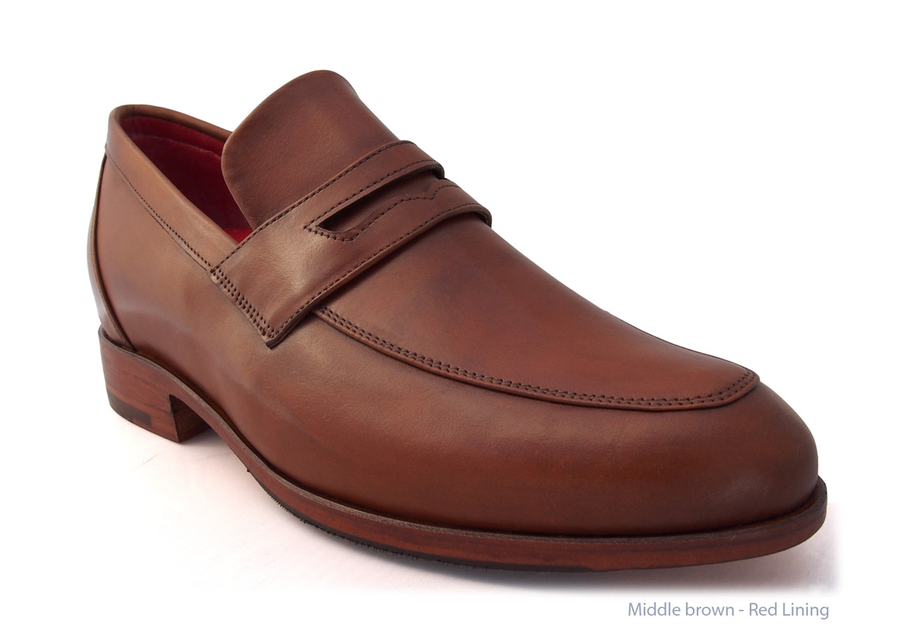 Middle Brown, Leather