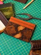 Picture of Portefeuille pour carte de crédit en cuir orange 1/1